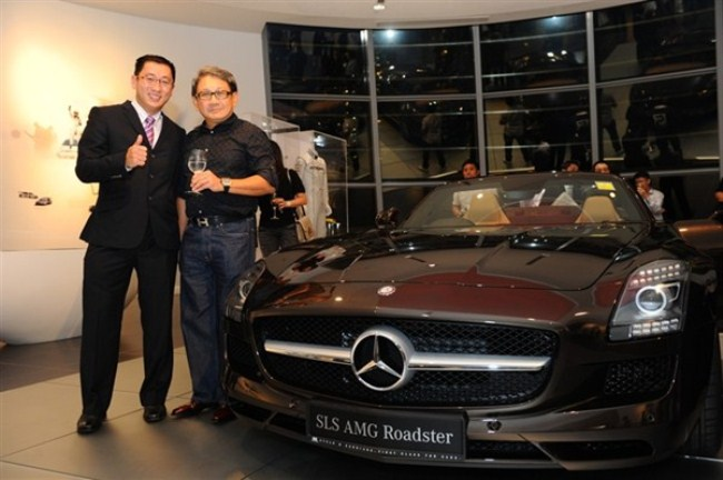 WTFSG-mercedes-benz-debuts-sls-amg-roadster-singapore-launch-Collin-Teo-Mark-Poh
