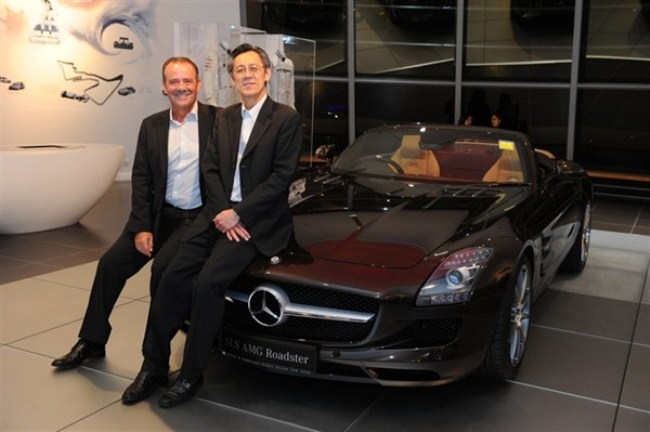 WTFSG-mercedes-benz-debuts-sls-amg-roadster-singapore-launch-Wolfgang-Huppenbauer-Cheah-Kim-Teck