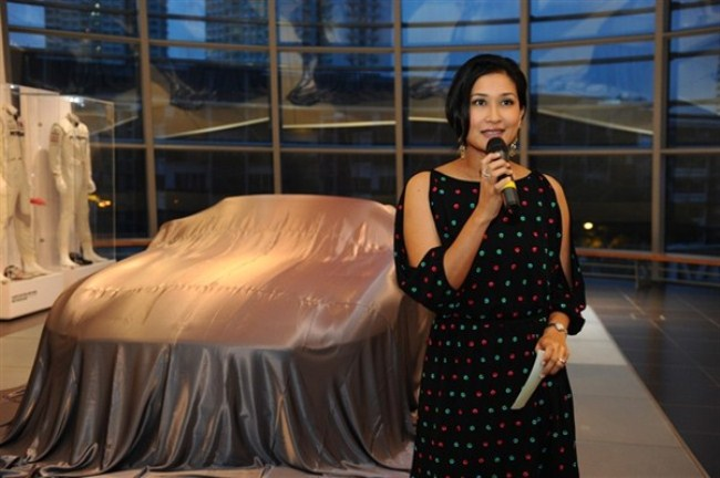 WTFSG-mercedes-benz-debuts-sls-amg-roadster-singapore-launch-Yasmin-Abdolhamid