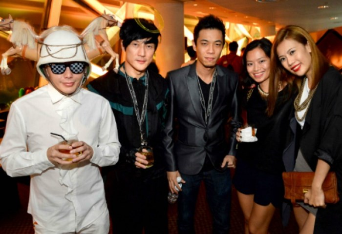 WTFSG_johnnie-walker-circuit-lounge-f1-party-2012_Bobby-Luo_Ritz-Lim_Andrew-T_Celeste-Chong