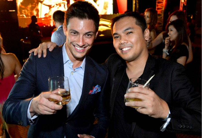 WTFSG_johnnie-walker-circuit-lounge-f1-party-2012_Jason-Godfrey_Harry-Corro