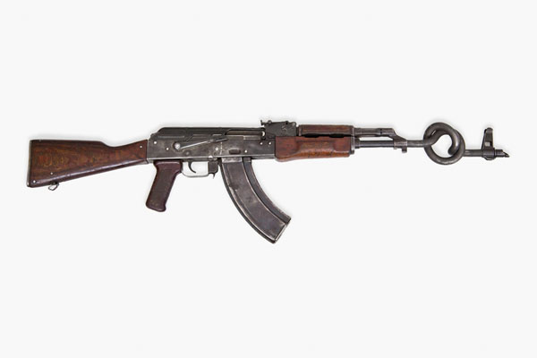 WTFSG-AKA-Peace-Ak-47-Scuptures-for-Charity-6