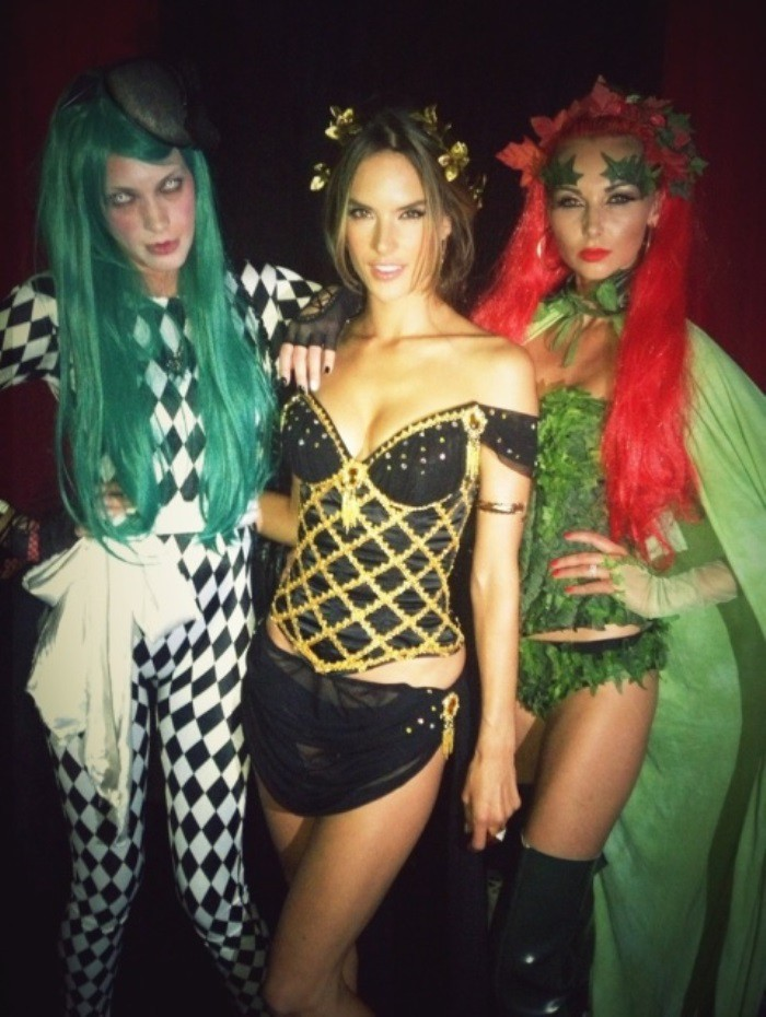 WTFSG_alessandra_ambrosio_halloween_party_2012