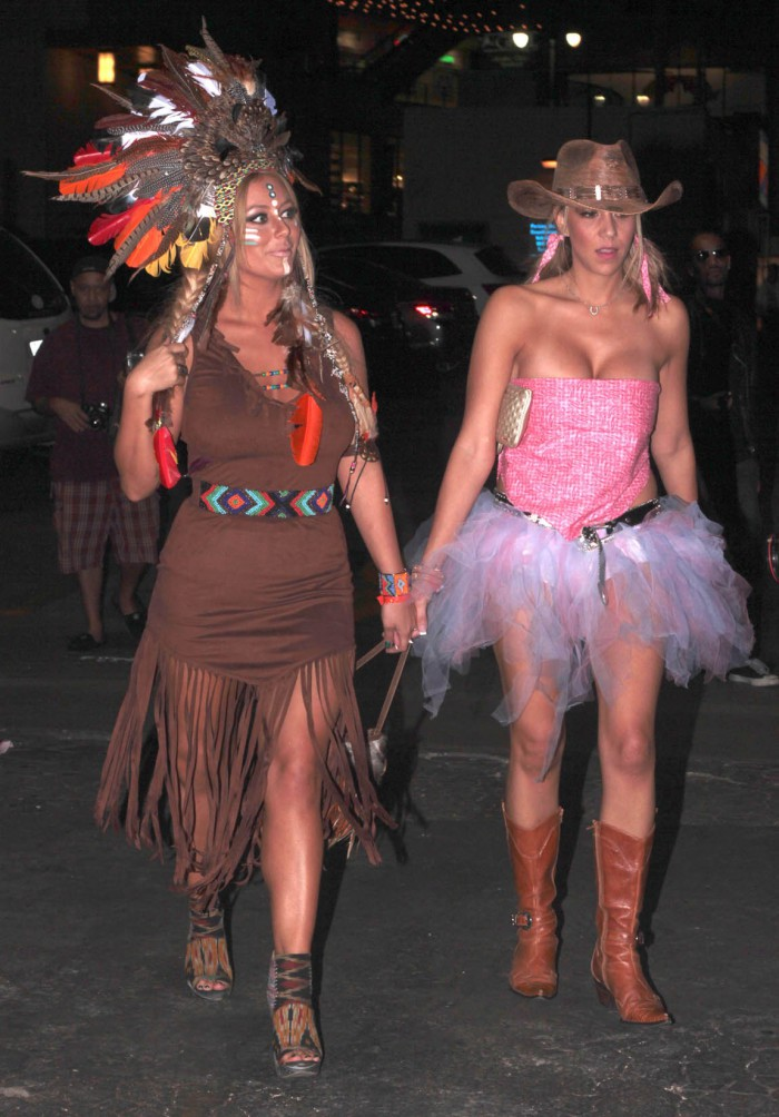 WTFSG_celebrity-halloween-costumes-2012_Aubrey-ODay