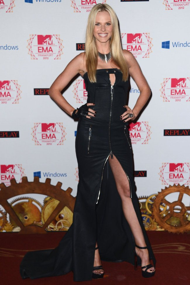 WTFSG_2012-MTV-Europe-Music-Awards-Red-Carpet_Anne-V