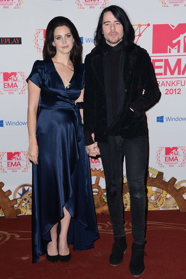 WTFSG_2012-MTV-Europe-Music-Awards-Red-Carpet_Lana-Del-Rey_Barrie-James-ONeill