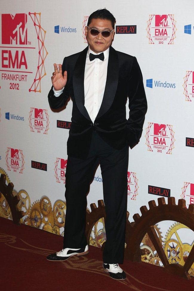 WTFSG_2012-MTV-Europe-Music-Awards-Red-Carpet_Psy