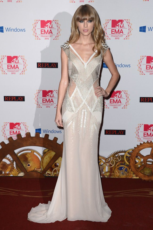 WTFSG_2012-MTV-Europe-Music-Awards-Red-Carpet_Taylor-Swift