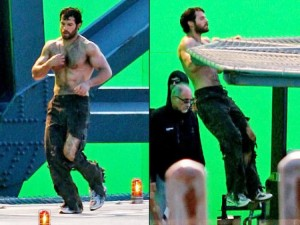 WTFSG-henry-cavill-muscles-abs-superman-man-steel