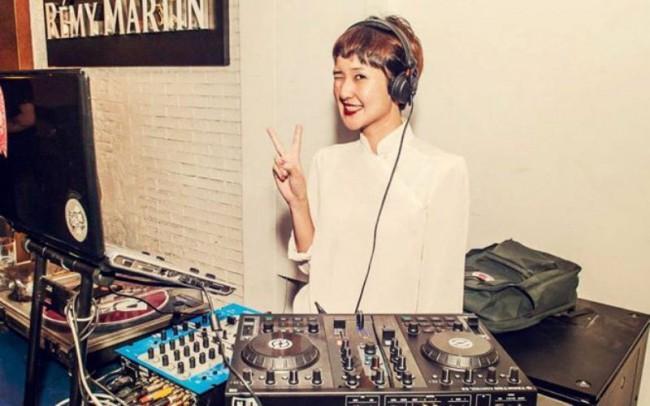 WTFSG-official-launch-gem-bar-singapore-DJ