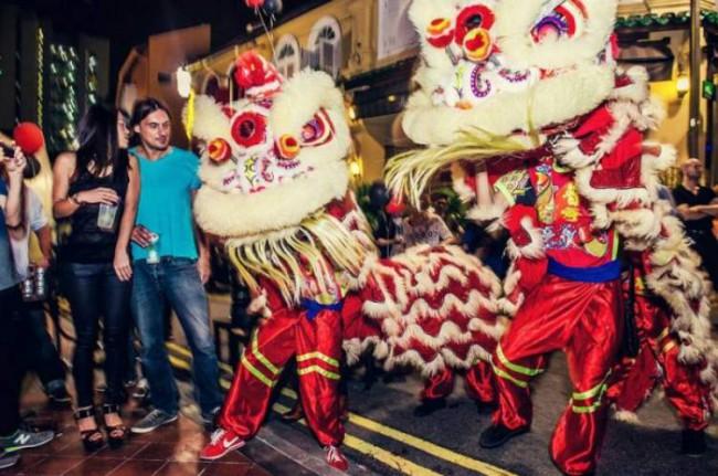 WTFSG-official-launch-gem-bar-singapore-lion-dance