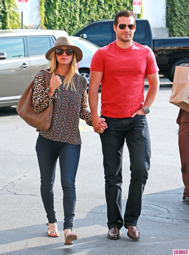 WTFSG-henry-cavill-kaley-cuoco-hold-hands
