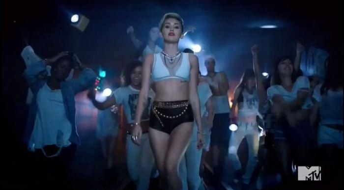WTFSG-MTV-VMA-miley-cyrus-1
