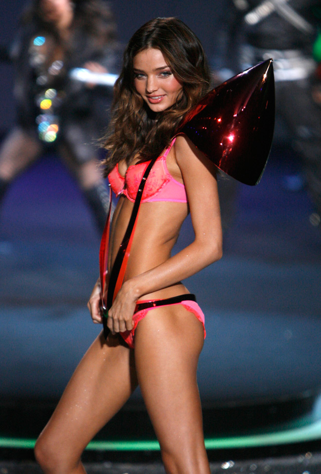 WTFSG-Miranda Kerr at 2009 Victoria's Secret Fashion Show
