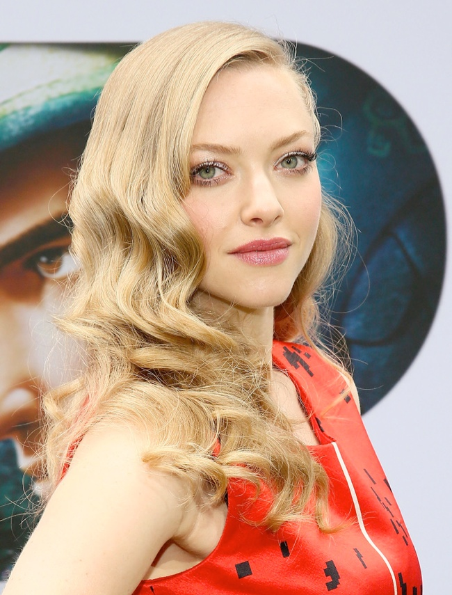WTFSG-amanda-seyfried-waves