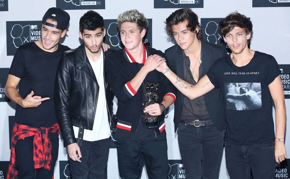 WTFSG-one-direction-2013-mtv-video-music-awards-press-room