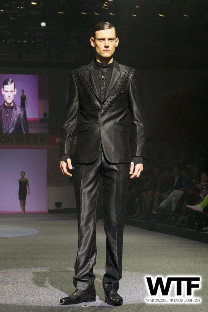 WTFSG-michael-cinco-fide-fashion-week-2013-10