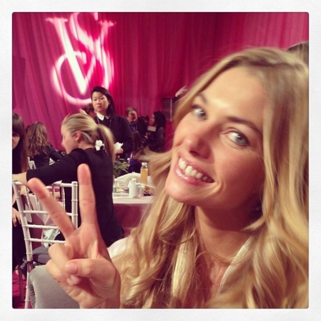 WTFSG-Best-Model-Selfies-Jessica-Hart