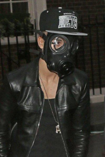WTFSG-Justin-Bieber-gas-mask