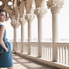 "Arizona Muse Returns For Louis Vuitton ""L'Invitation Au Voyage"" Campaign"