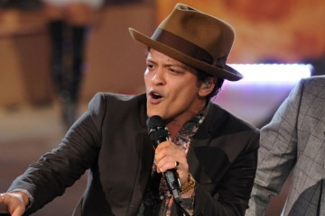 WTFSG-Bruno-Mars-Live-Stage-Performance