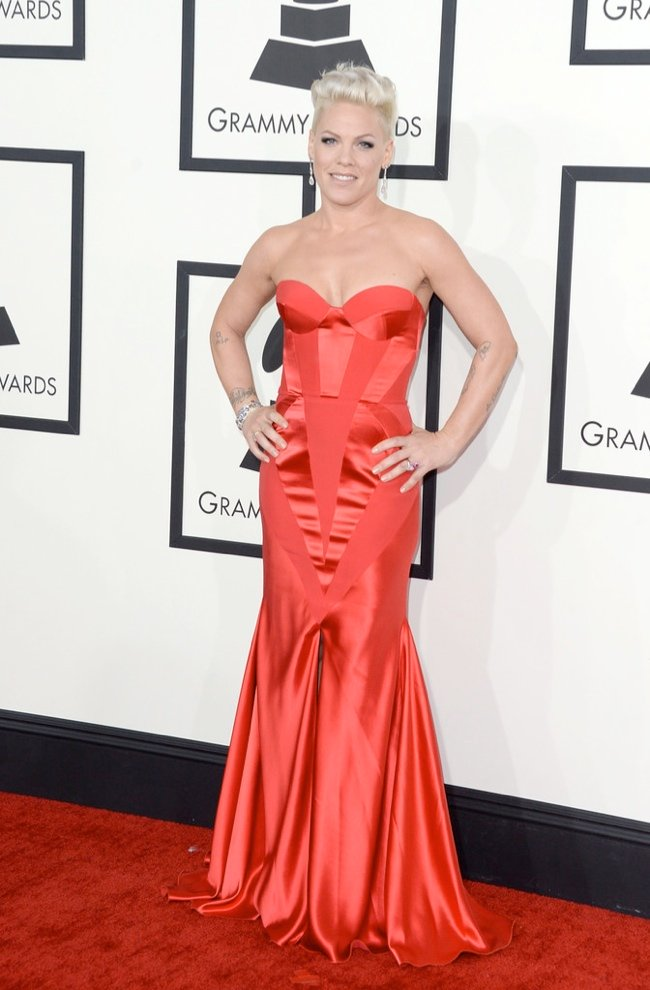 WTFSG-2014-grammy-awards-red-carpet-pink