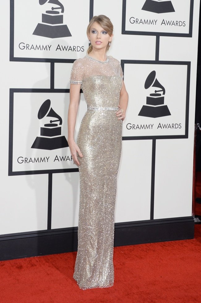 WTFSG-2014-grammy-awards-red-carpet-taylor-swift