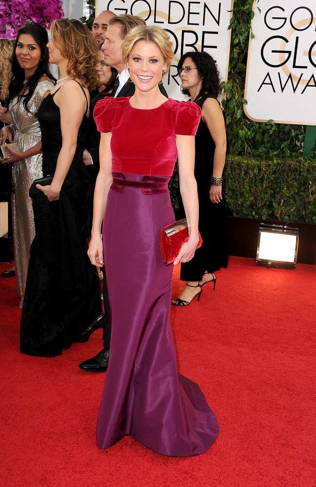 WTFSG-Golden-Globes-Julie-Bowen-Carolina-Herrera