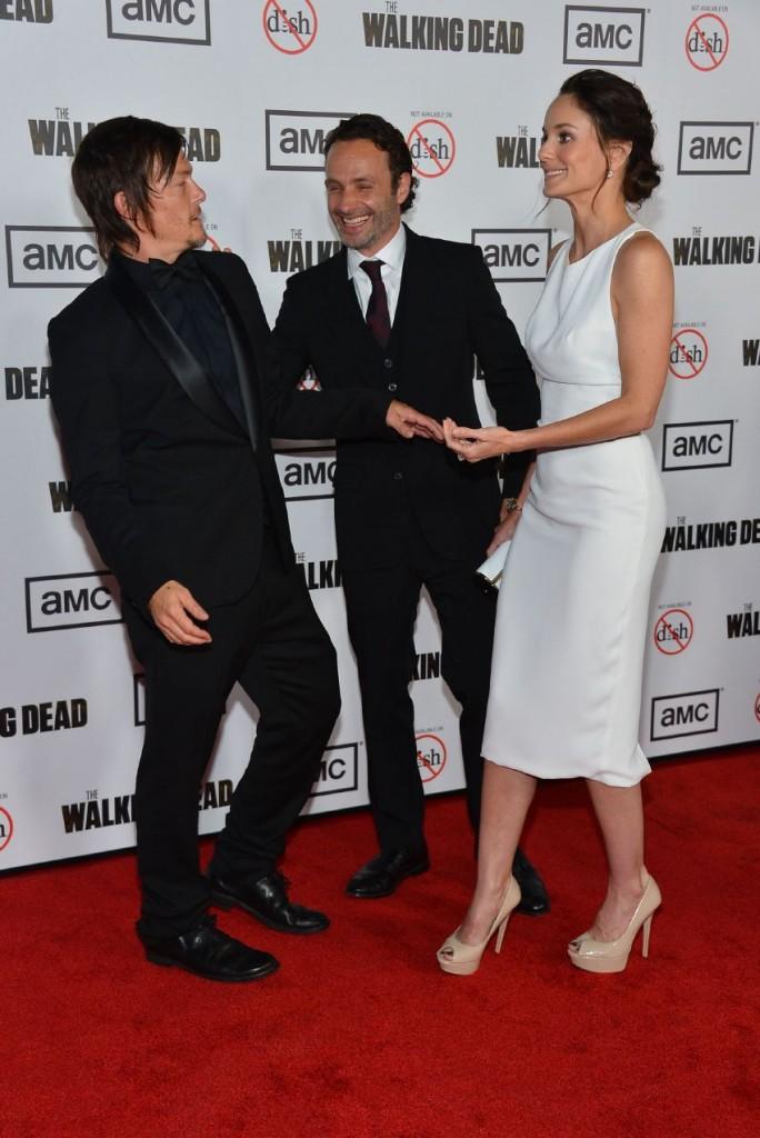 WTFSG-Sarah-Wayne-Callies-The-Walking-Dead-season-3-premiere-in-Universal-City-4