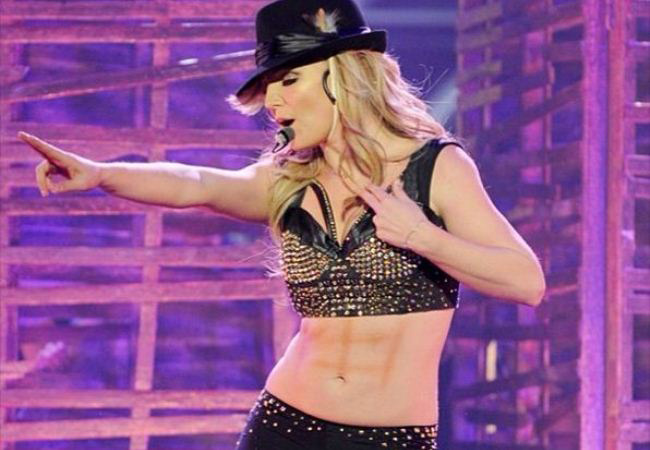 WTFSG-britney-spears-faking-abs