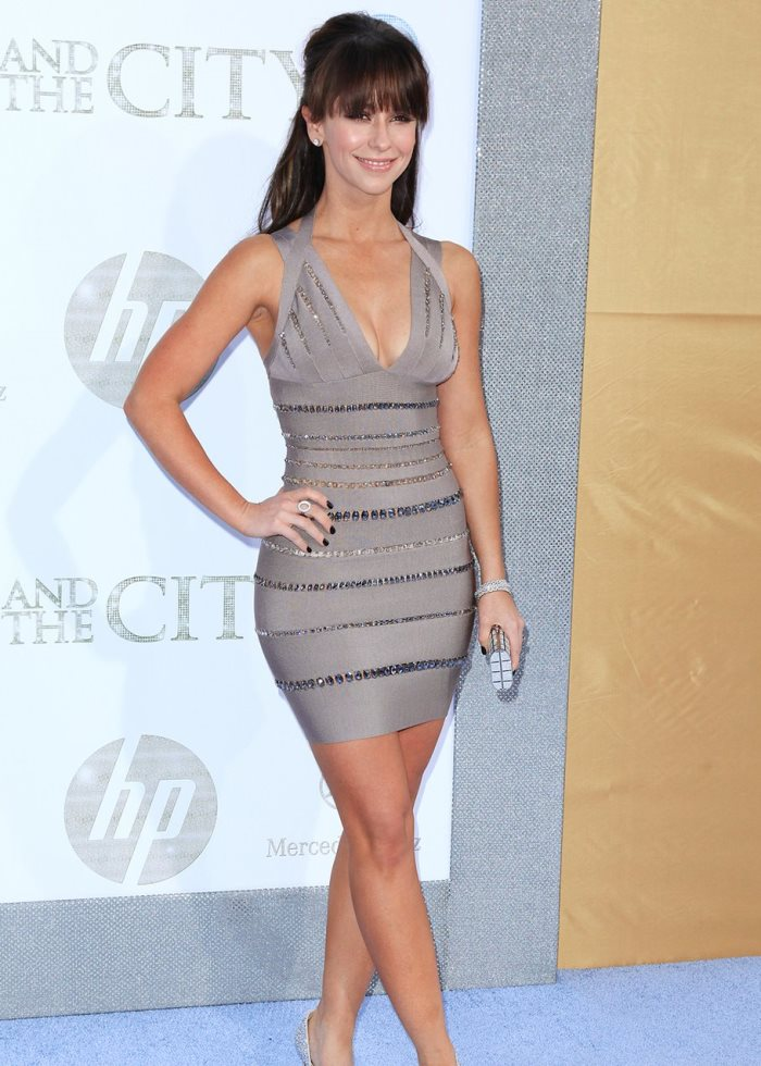 WTFSG-jennifer_love_hewitt-bandage-dress