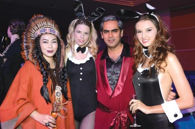 WTFSG_fame-theatre-ball-SRT_Susanna-Kang_Gaurav-Kripalani