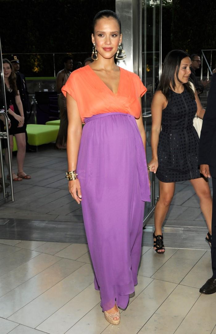 WTFSG-2011-CFDA-Awards-Jessica-Alba-custom-Diane-von-Furstenberg