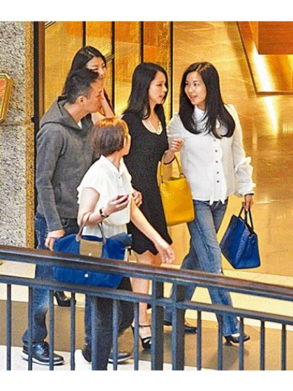 WTFSG-Vivian Hsu-Sean-Lee-spotted-Singapore