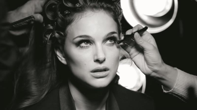 WTFSG-natalie-portman-diorshow-iconic-overcurl-mascara-1