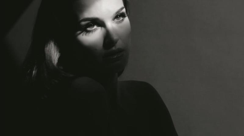 WTFSG-natalie-portman-diorshow-iconic-overcurl-mascara-2