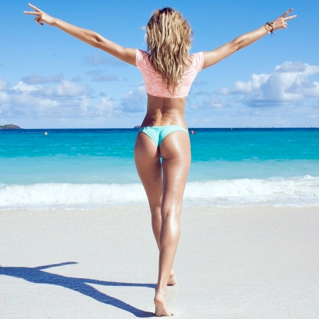 WTFSG-vs-swim-2014-candice-instagram-3