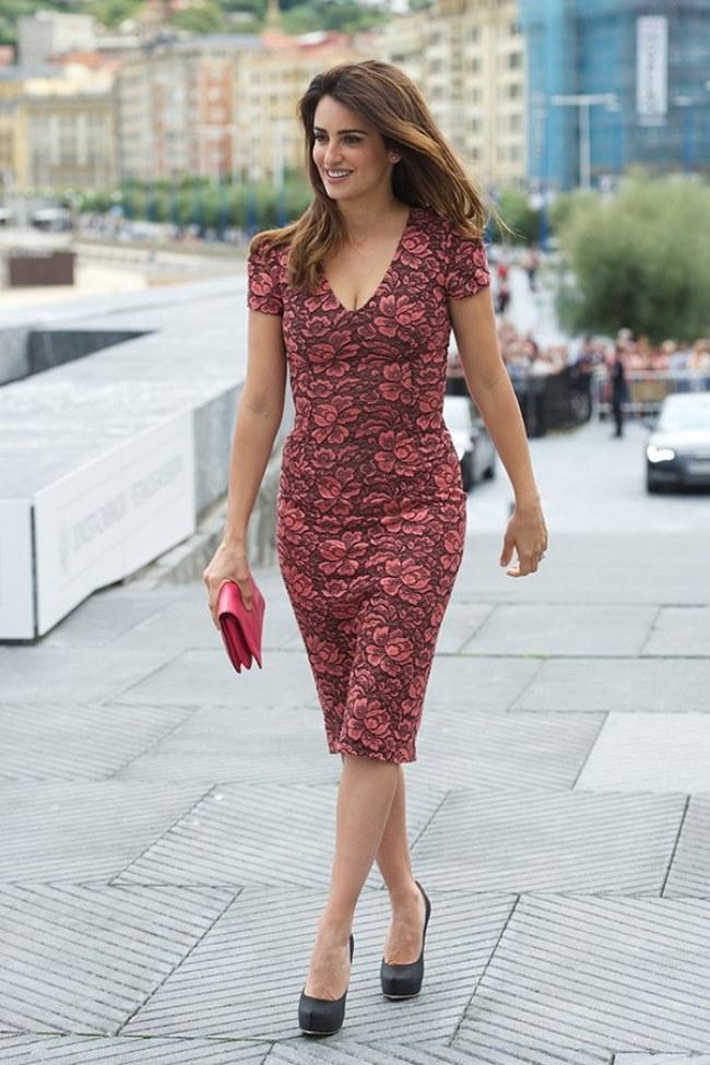 WTFSG-Penelope-Cruz-floral-dress-LWren-Scott-60th-San-Sebastian-Film-Festival-Spain-2012