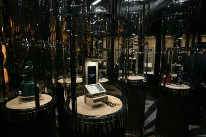 WTFSG-dfs-group-opens-masterpieces-of-time-iv-venetian-macao-Salon-showcases