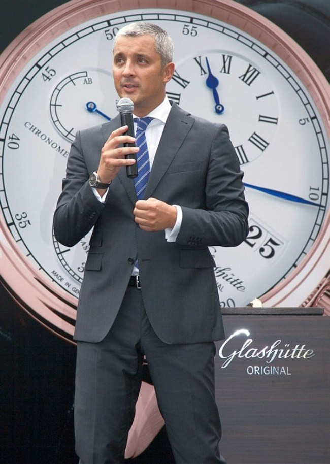 WTFSG-glashutte-original-exclusive-showcase-on-board-the-bounty-Dieter-Pachner