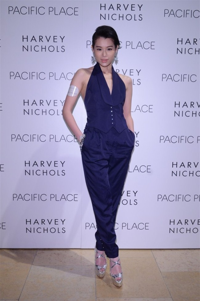 WTFSG-harvey-nichols-spring-summer-2013-my-gallery-my-place-fashion-show-Myolie-Wu