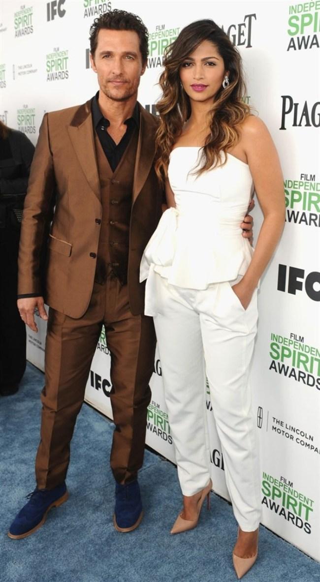 WTFSG-independent-spirit-awards-2014-Matthew-McConaughey-Camila-Alves