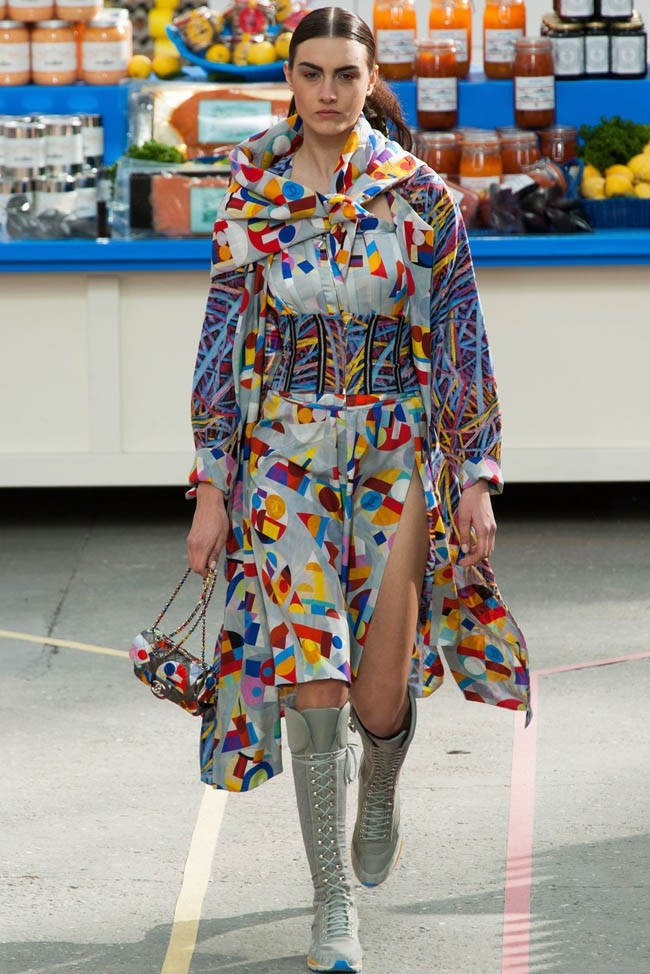 WTFSG_chanel-fall-2014-paris-fashion-week_17
