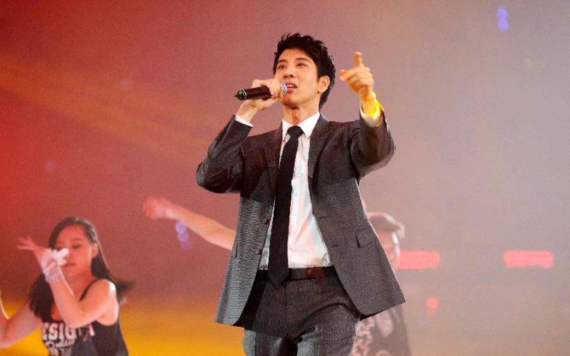 WTFSG-Jackie-Chan-60th-birthday-charity-concert-Beijing-Leehom-Wang