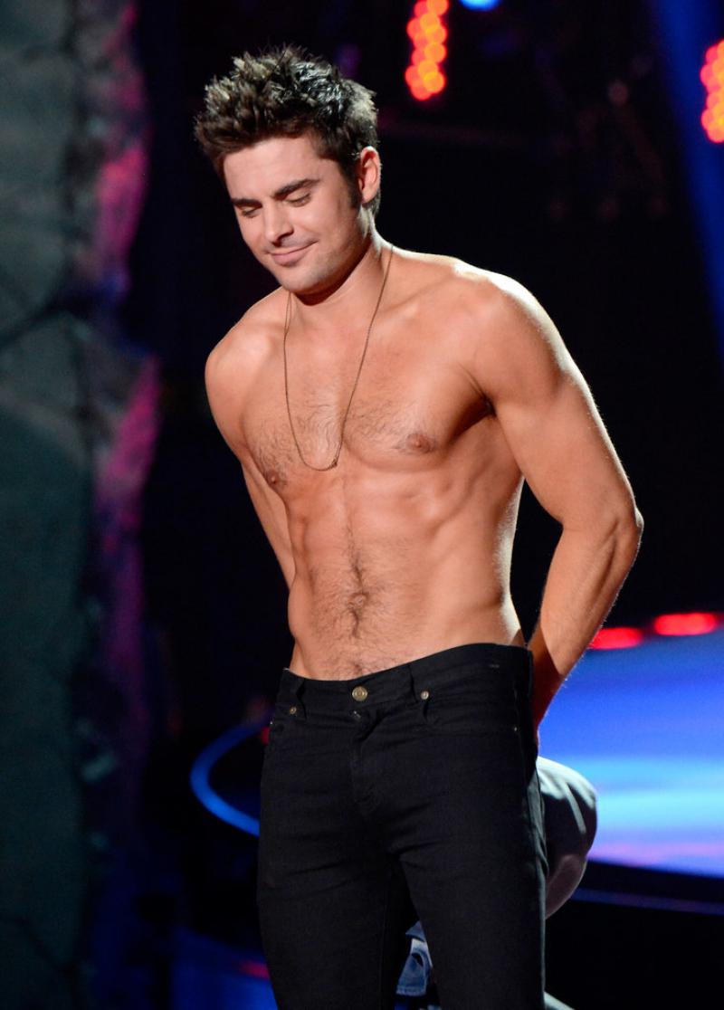 WTFSG-Zac-Efron-Shirtless-2014-MTV-Movie-Awards-2