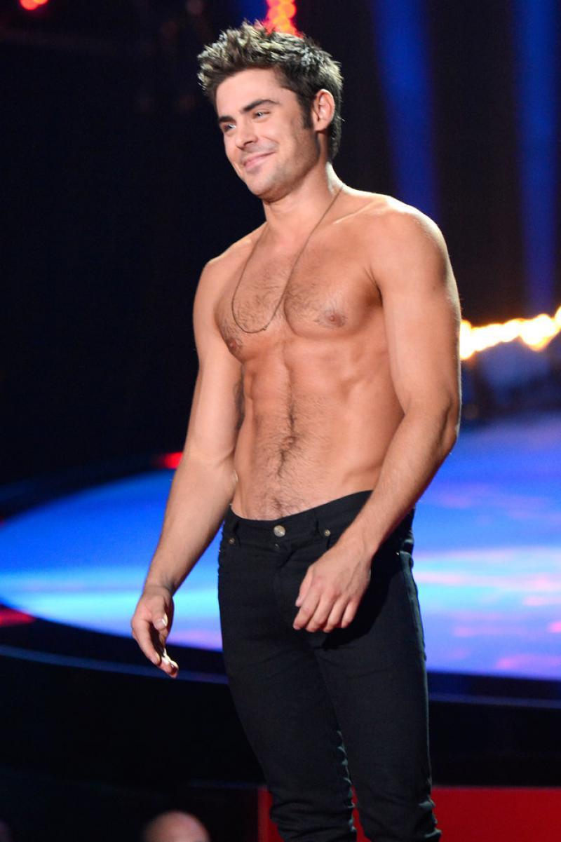 WTFSG-Zac-Efron-Shirtless-2014-MTV-Movie-Awards-3