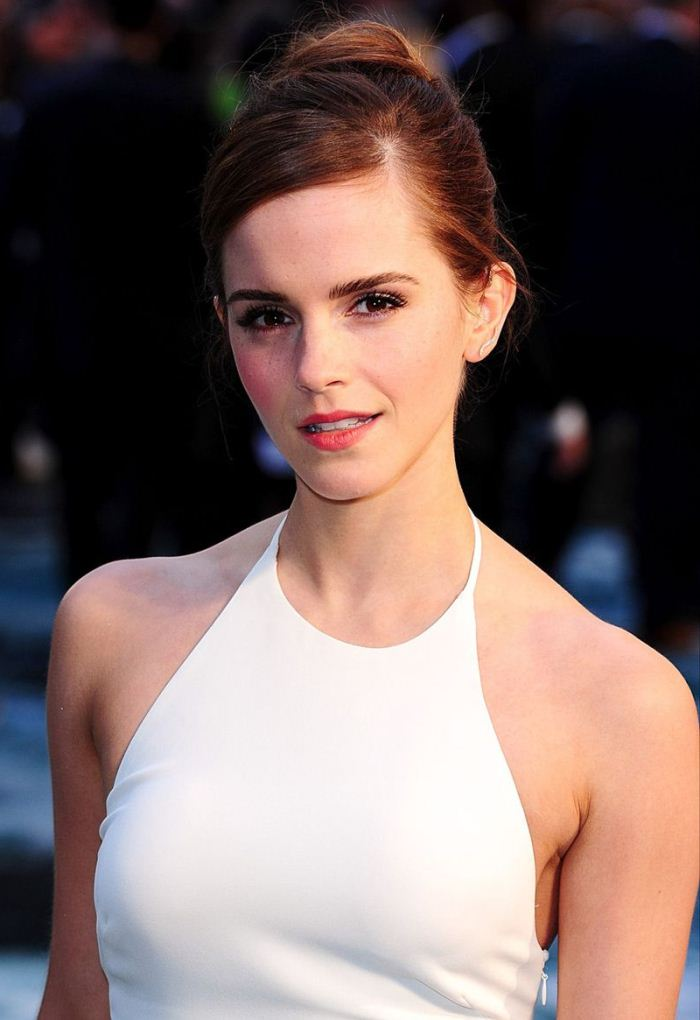 WTFSG-emma-watson-ralph-lauren-dress-noah-premiere-london-2