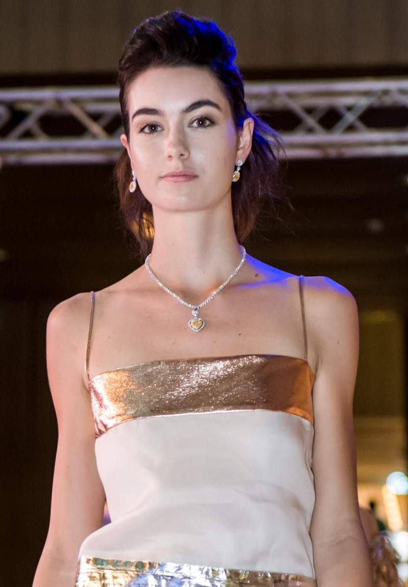 WTFSG-larry-jewelry-lazare-diamonds-collection-paragon-2014-fashion-show-6