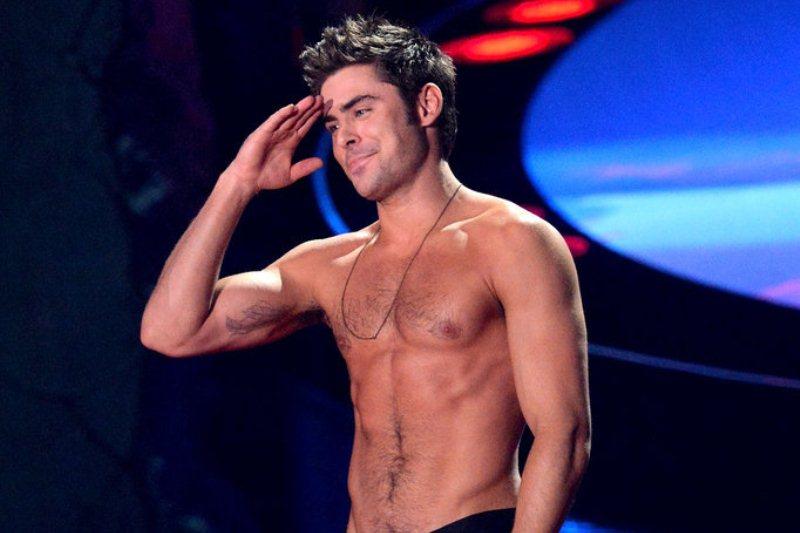 Zac-Efron-Shirtless-2014-MTV-  Zac Efron 2014 Body