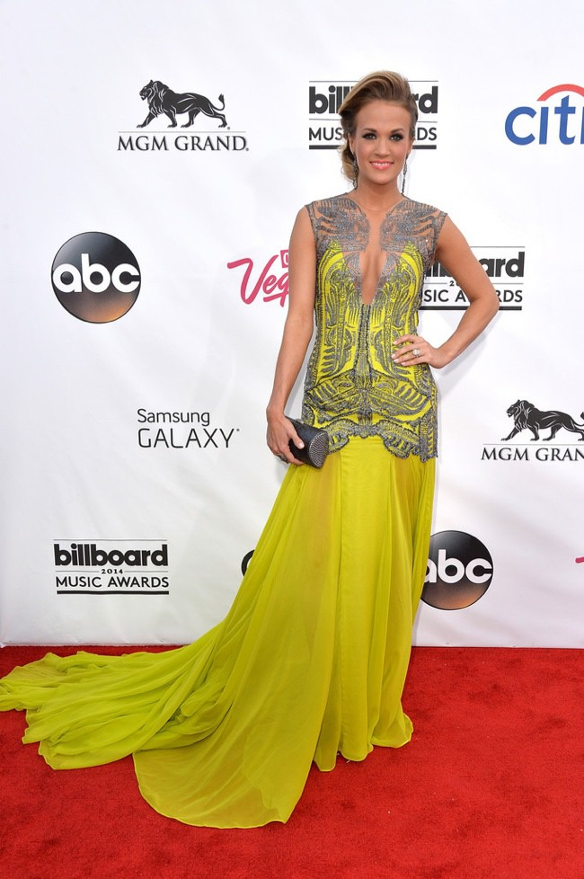 WTFSG-2014-billboard-awards-red-carpet-style-carrie-underwood